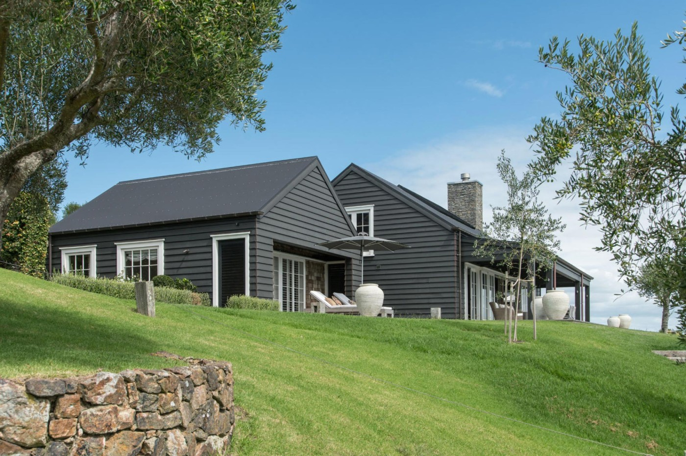 Barn house sumich chaplin architects for Modern new zealand homes